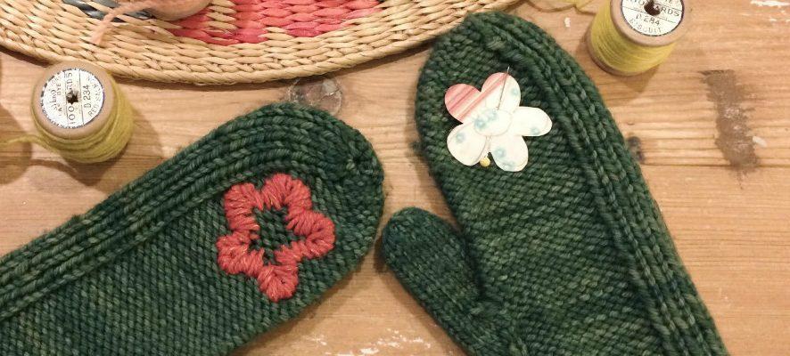 Варежки с вышивкой: мастер-класс и идеи для вдохновения