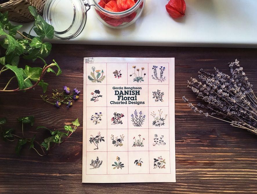 Обзор книги Danish Floral Charted Designs от Герды Бенгтссон